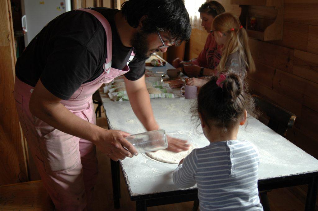 Samedi on s'est régalé avec les pizzas et les pains au levain de la ferme. Merci les boulangers !!